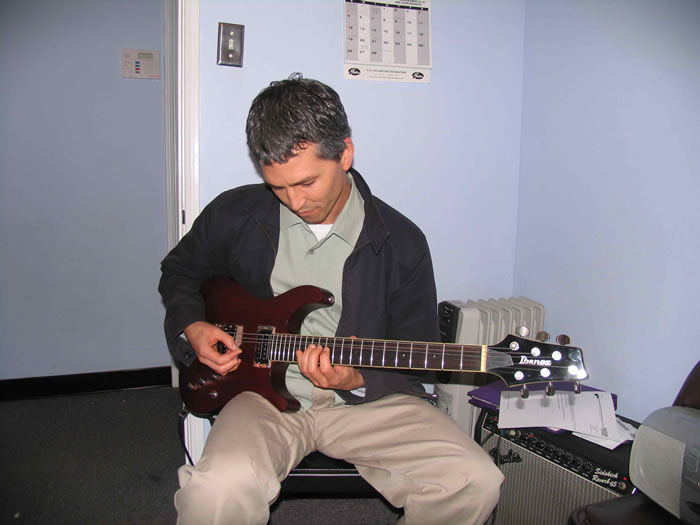 dale bolen redondo guitar school student in a guitar lesson with instructor dan krier